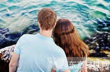 他们之所以成为一对可爱的夫妇,是因为他们俩都试图远离争吵,尽